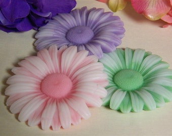 soap daisies you choose colors, scented in daisy, party favors, baby shower,set of 3, wedding shower