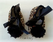 Cheetah baby crib shoes, Baby girl shoes, baby shoes