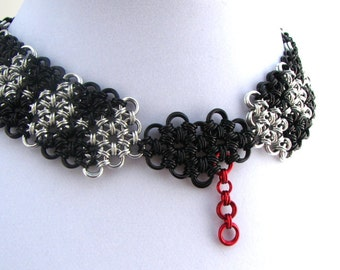 Mad Love Chainmaille Choker