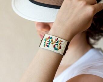 Floral embroidered bracelet - leather bracelet - Autumn collection - br001