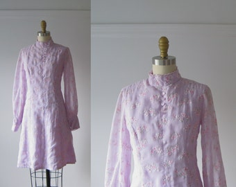 vintage 1960s dress / 60s mini dress / Lavender Fields