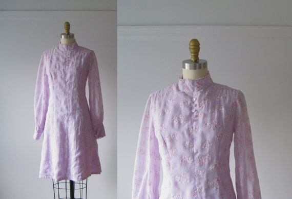 SALE vintage 1960s dress / 60s mini dress / Lavender Fields