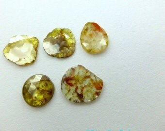 DiAMOND SLiCES. Faceted. PEaR SHaPe. Natural. Red / Orange Inclusions on Yellow Body. Free Form. 1 pc. 0.68 cts. 6.5x7.3 mm (Dia273C)
