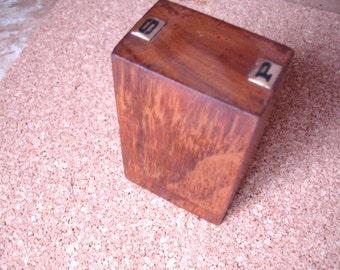 Cool vintage wooden salt & pepper shaker