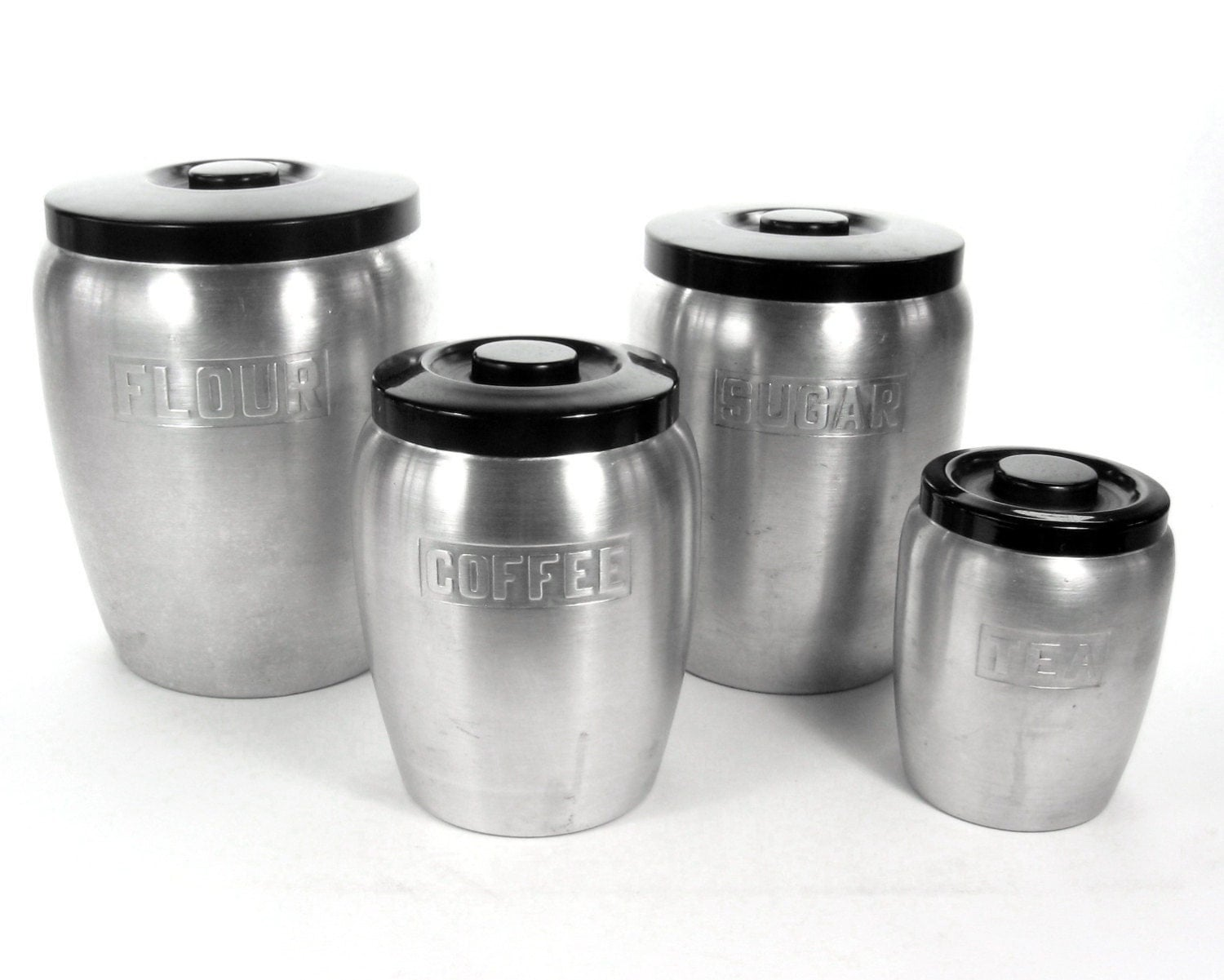 Vintage kitchen canister set aluminum 1940s kitchen decor for Kitchen set aluminium