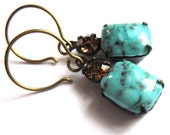 Turquoise Glass Claw Set Earrings Vintage Style Fashion Jewelry