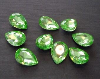 4pcs- Vintage Glass Jewels Peridot Pear Teardrop 14x10mm