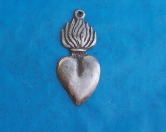 Tin/Silver Sacred Heart with Tall Flames Milagro Ex Voto