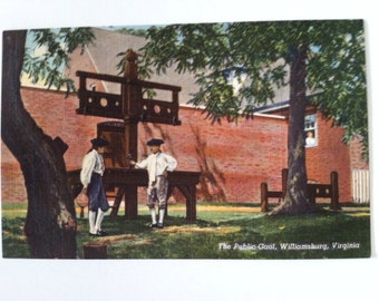 Vintage linen postcard Williamsburg  Virginia  with public stocks and men in tri cornered hats and knee breeches