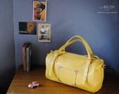 "sac polochon ""MIKKY"" cuir jaune safran"