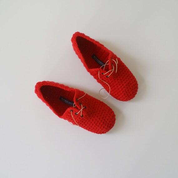 Узелок тапочки - стиль унисекс крючком тапочки в Красным
