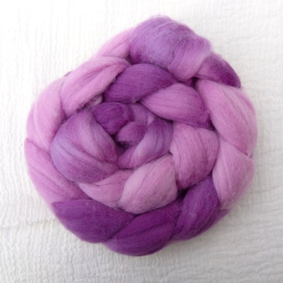 Hand Dyed Polwarth Tops 95g - Blackcurrant Smoothie