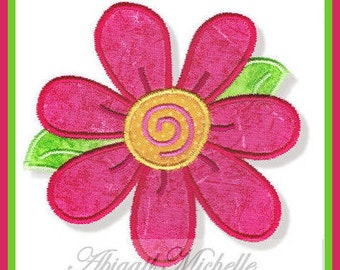 Beautiful Daisy Applique, 3 Sizes - Machine Embroidery