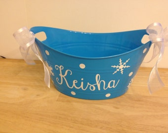 Personalized oval tub - Winter basket, snowflakes, gift basket, name, initial or monogram