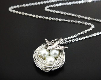 White Pearl Bird's Nest Necklace
