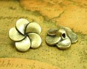 20 pcs Antique Bronze Flower Buttons Metal Buttons 14x14mm CH1539