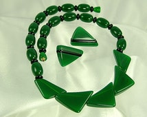 Green and Black Lucite Necklace Earrings Demi Parure (No. 884)