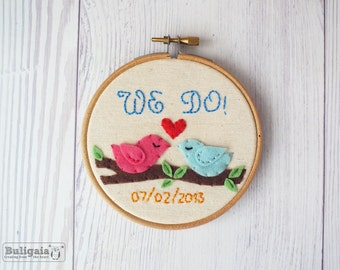 Custom Wedding Embroidery hoop art, love birds personalized wedding keepsake and decoration, couples wedding gift hoop art made to order