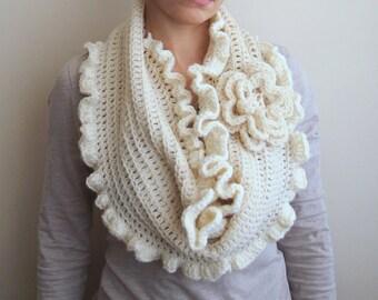 CROCHET PATTERN Infinity woman loop scarf, oversized flower cape, women shrug, ruffles, circle cowl, DIY tutorial, Instant download