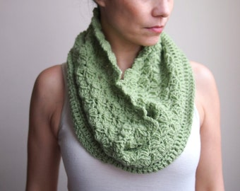 Loop scarf Pastel sage green  infinity circle doble face textured crochet neckwarmer wrap