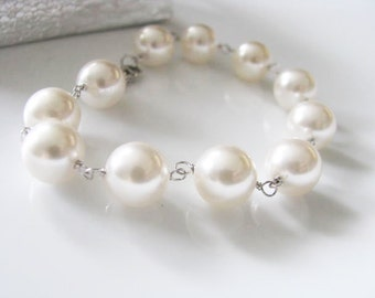 Sterling Silver White 10-mm Shell Pearl Bracelet