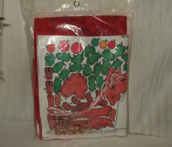 Vintage christmas craft kit erica wilson christmas kit for Vintage christmas craft supplies