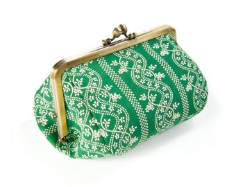 Metal frame capacious pouch // Lined Green Czech Flower