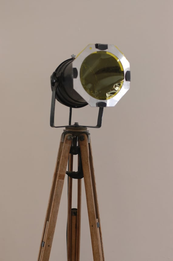 Vintage wood surveyor39s tripod industrial floor lamp for Surveyors floor lamp wood