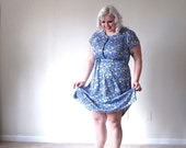 Roses in yellpw and Bue- Vintage Dress- plus size-XXL