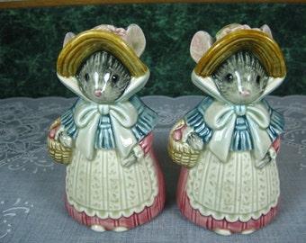 Vintage Salt & Pepper Shakers: Otagiri Mouse Salt and Pepper Shaker Set