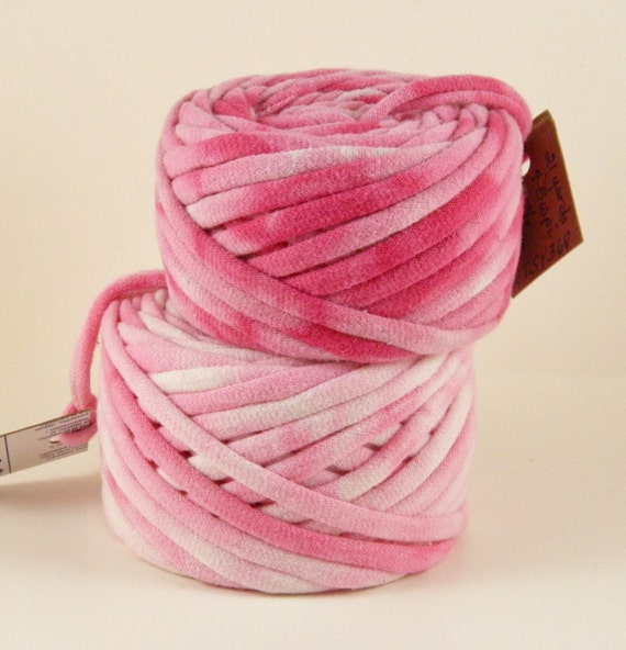 Tie Dyed Shades of Pink 48 Yrds Recycled T-Shirt Yarn, T Shirt Yarn, Bulky