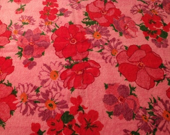 """Sale NEW graphic bath towel , 100% cotton, 24""""x42"""" or 107 cm x61 cm, floral.St. Marys.USA.Rare.New old stock.Gift"""