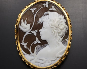 Vintage Shell cameo hand carved by an artist with gold frame (C1)