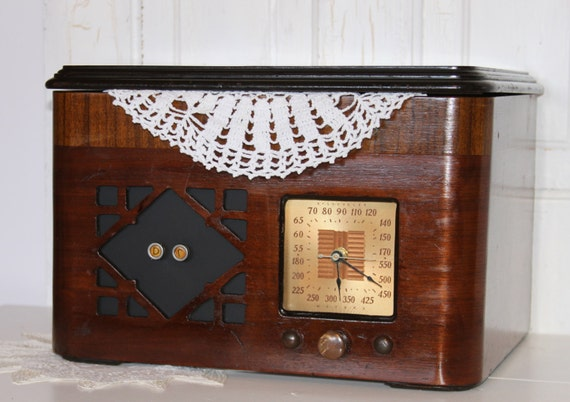 Vintage Radio / Record Player Wood Cabinet... REPURPOSED... Storage Container / Organizer... Clock and Memo Board... Vintage Wood Box