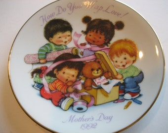 Vintage Mothers Day Plate Avon 1992 How Do You Wrap Love