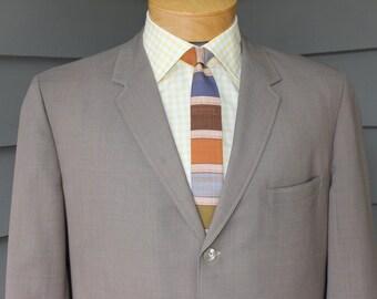 vintage 1960's Men's -Custom Made / Hand Tailored- sport coat. Tropical weight sharkskin. 3 button - sack.  Size 41 Regular