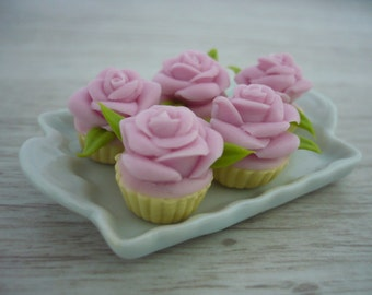 6 Pink Rose Cupcakes Dollhouse Miniatures