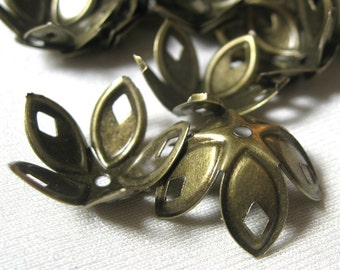 Antique Brass Bead Caps BIG caps flower shape with diamond 18mm 30 pieces