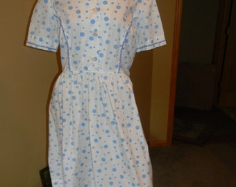 1940s Authentic house dress. Quilted Heart shaped  Apron. light blue Frock..Mildred Pierce WWII ORIGINAL polka dotted .I love Lucy style