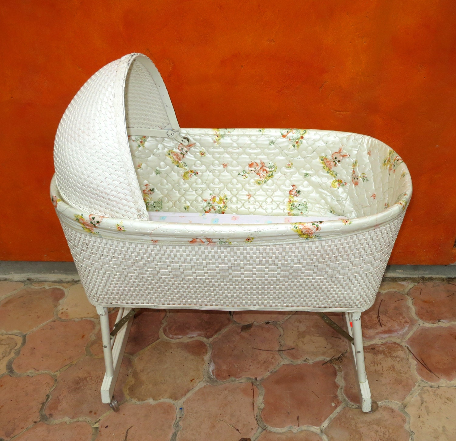 Vintage 1950s 1960s White Wicker Baby Bassinet W Hood