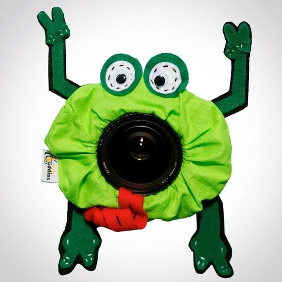 Shutter Buddies Gift for Photographer- Pet Fred FROG with SQUEAKER camera lens buddy- Ready to ship