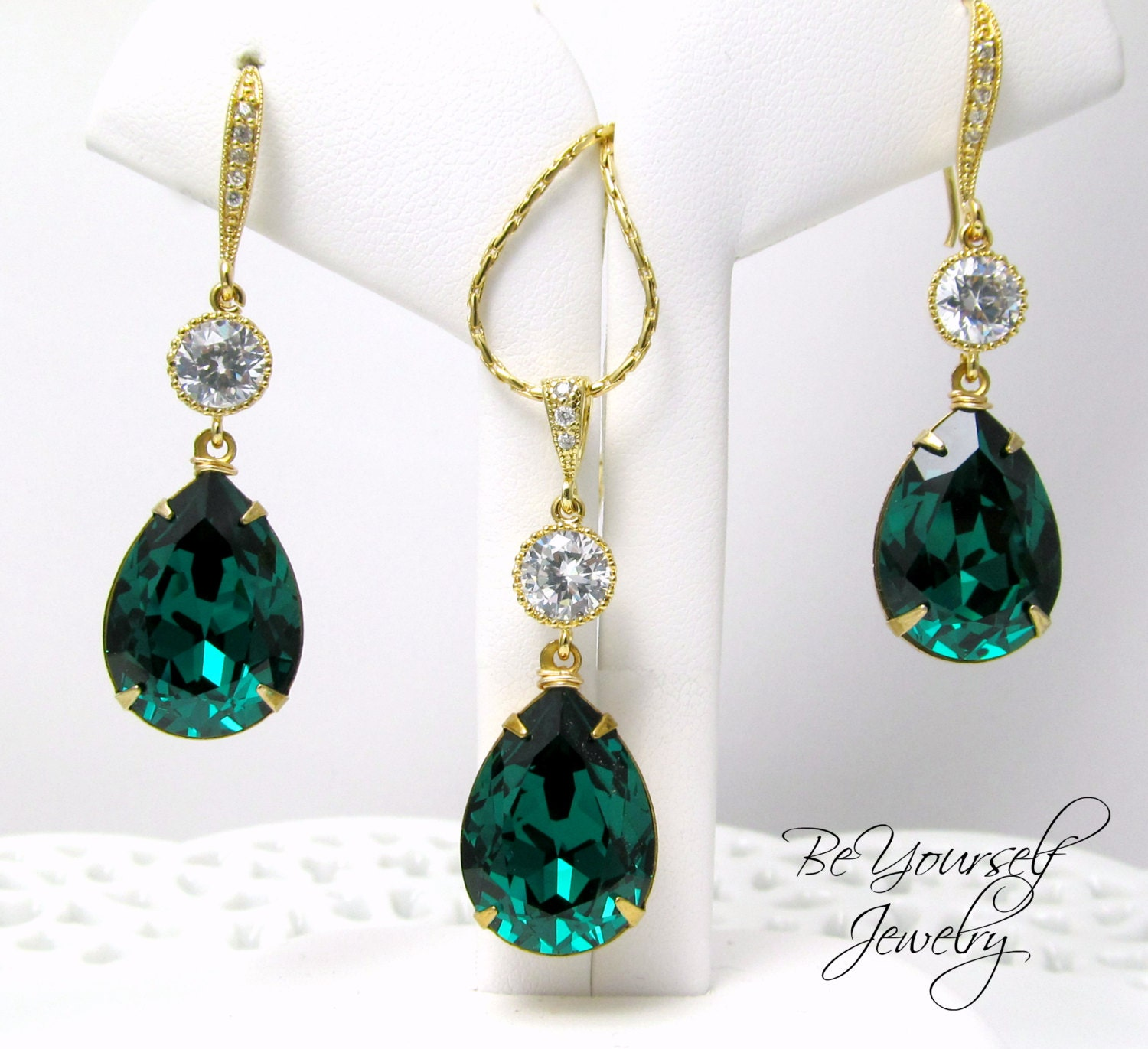 emerald green earrings and necklace set by beyourselfjewelry