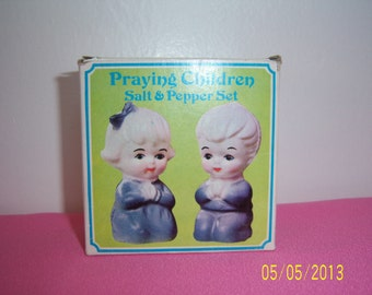 Adorable Praying Children Salt and Pepper Shakers Set -  Hard Plastic Salt & Pepper Shakers - Retro Shakers Made in Hong Kong