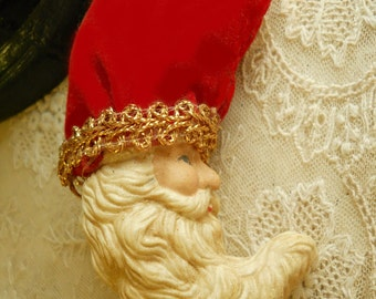 Vintage Santa Christmas Ornament Wonderful Santa Face Velvet Hat Gold Metalic Lace and Cord Vintage Christmas