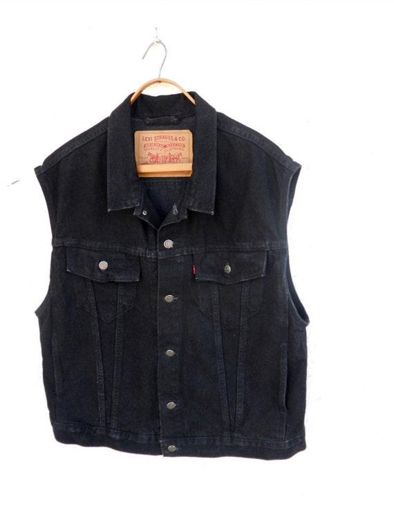 black vest and jeans - photo #18