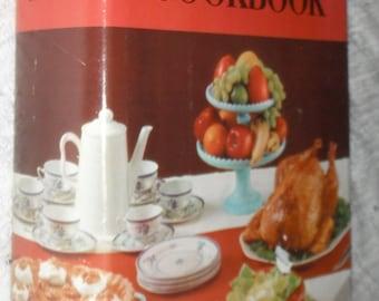 Amy Vanderbilt's Complete Cookbook HBDJ Andy Warhol Drawings Vintage 1961