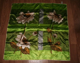 Beautiful 1950s/1960's Marks and Spencer headscarf (a13)