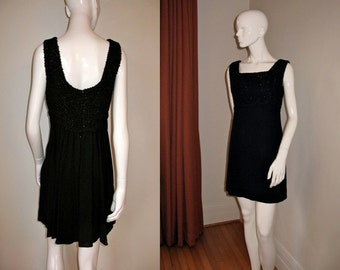 Vintage 1960s Mini Go-Go Baby Doll Dress LBD with Scoop Back Bust 36