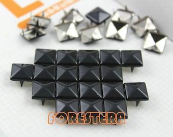 500Pcs 10mm Black Color PYRAMID Studs (C-BL10)