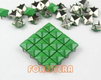 100Pcs 8mm Green Color PYRAMID Studs (CP-6037-08)